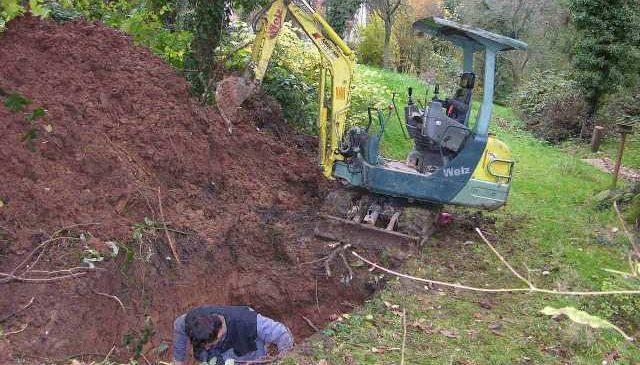 Wasserleitungsschaden in Garten für Versicherung erledigt.